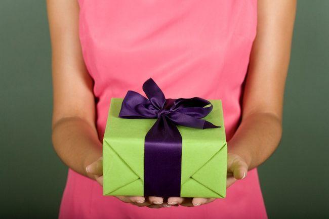 Що подарувати чоловікові на 45 років?