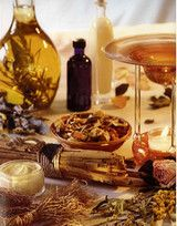 Відмінність ефірних від жирних (базових) олій.