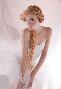 Романтичні зачіски на літо 2010