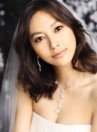 Весільні зачіски з розпущеним волоссям: природно, красиво, модно. 80 фото
